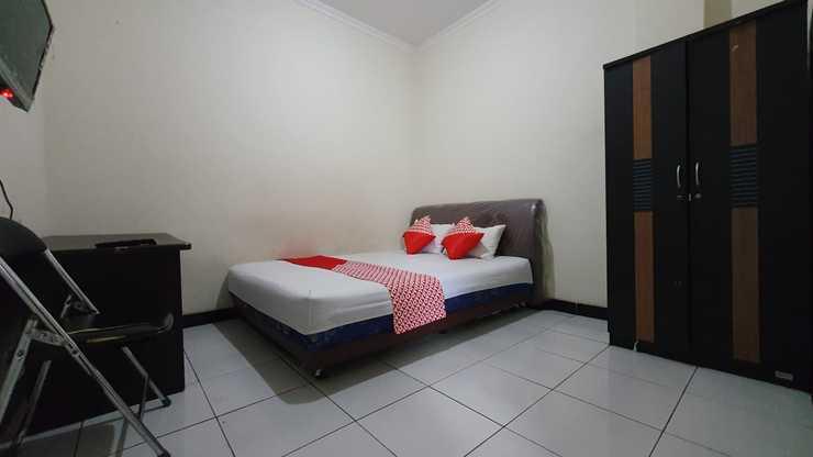 OYO 3829 Ratu Residence Syariah Samarinda - Guestroom S/D