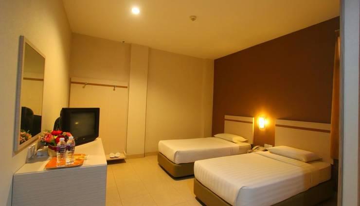 Lovina Inn Penuin Batam - Twin Bed