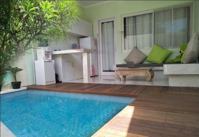 Bali Paradise Suites Seminyak  Bali - Pool