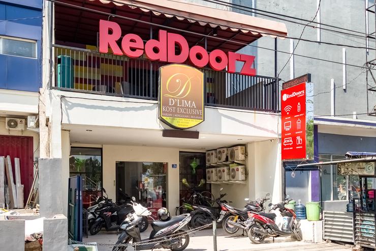 RedDoorz @ Rungkut Surabaya - photo