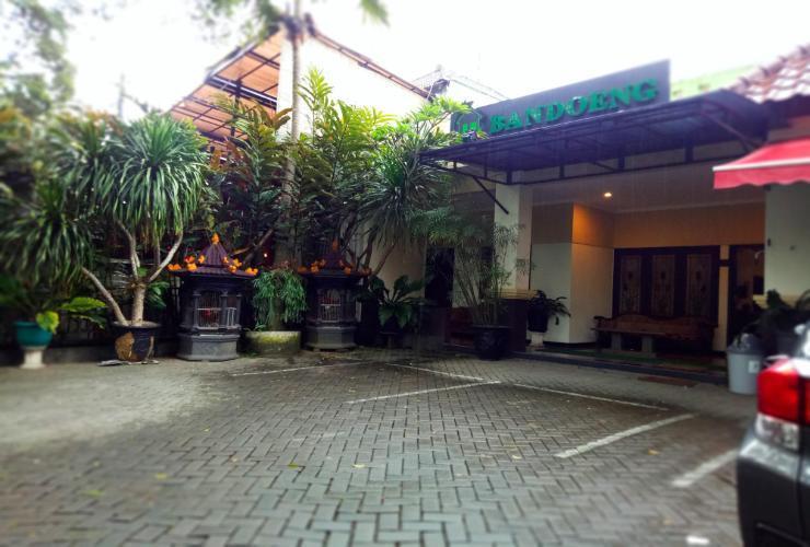 Bandoeng Guest House Malang - Tampak Depan