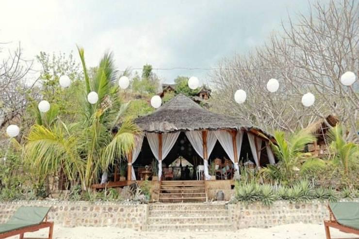 Waecicu Eden Beach Hotel Manggarai Barat - Eksterior