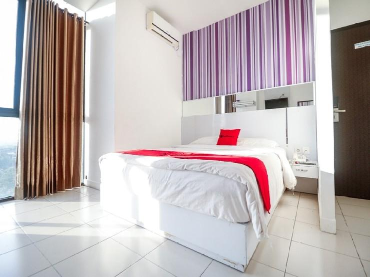RedDoorz near Terminal Batu Ampar Balikpapan - Guestroom