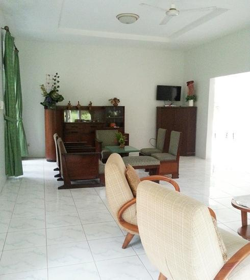 Bukit Arumdalu Anyer - Living Room