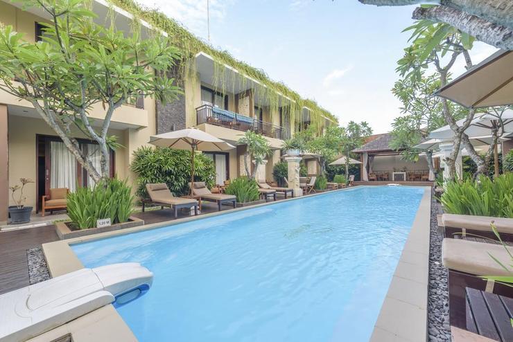 d'Penjor Seminyak Hotel Bali - Facade