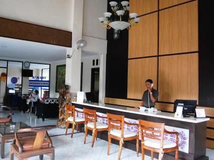 Bakung Sari Resort Bali - Resepsionis