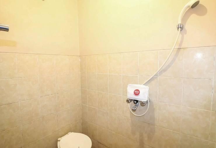 NIDA Rooms Kaliurang 22 Pakem Gemilang Jogja - Kamar mandi