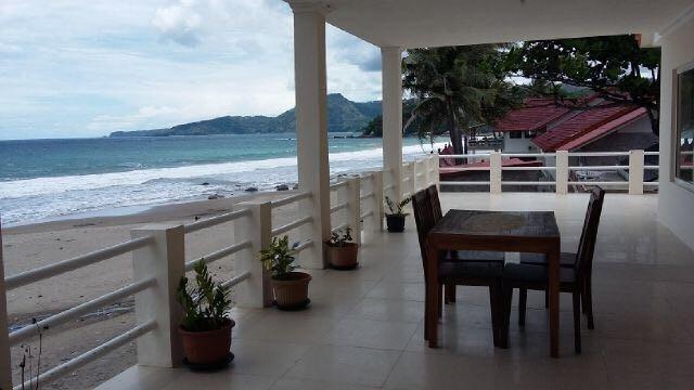 Harga Hotel Villa Mila Tepi Pantai Karang Hawu (Sukabumi)