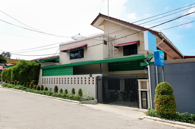 Airy Syariah Sekupang Tiban Satu Blok D 173 Batam - Hotel Building
