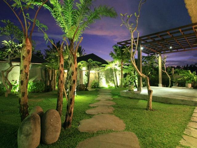 Villa Kayu Lama Bali - Taman