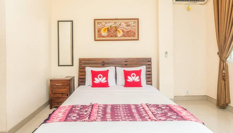 ZenRooms Sanur Bypass Ngurah Rai 2 - Tampak tempat tidur double