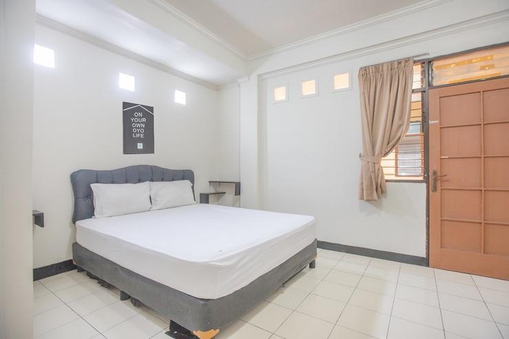 OYO Life 1799 BTX 31 Residence Tangerang Selatan - Bedroom
