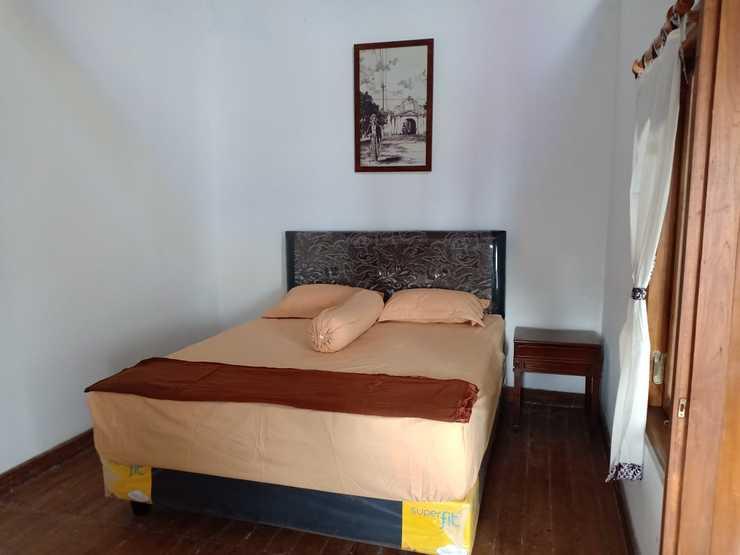 Ndalem Mbah Mantri Homestay Yogyakarta - Bedroom