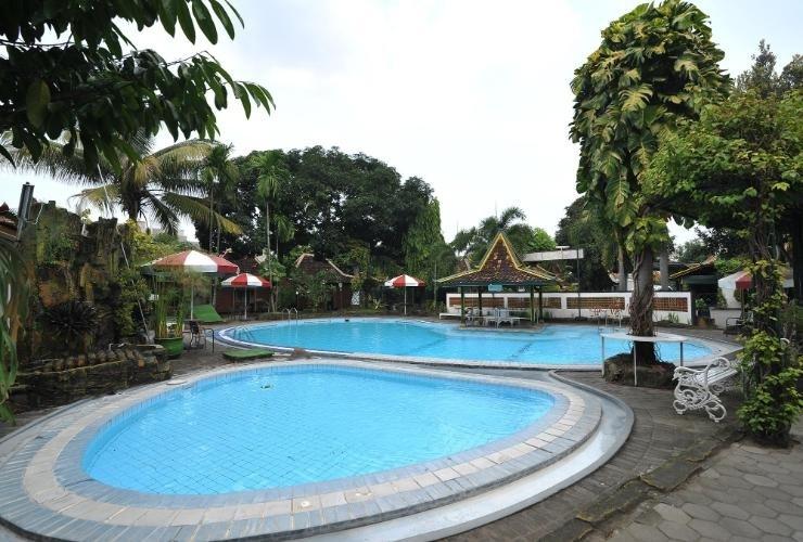 Hotel Batik Yogyakarta - Pool