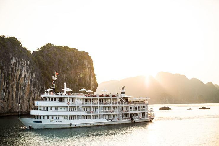 The Au Co Cruises Ha Long - Featured Image