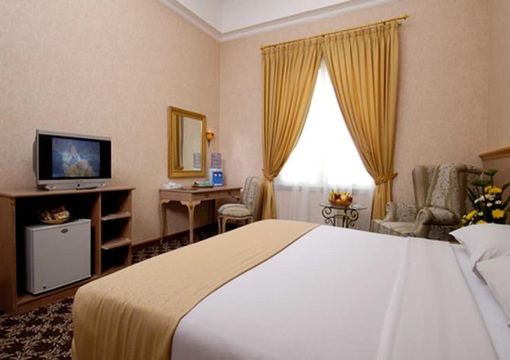 Yasmin Resort & Conference Hotel Cipanas - Guestroom