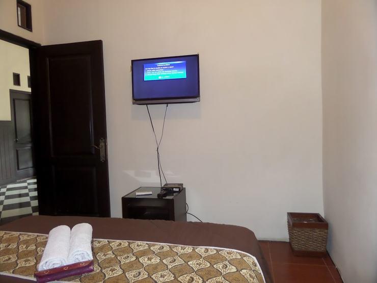 De Clove Guest House Malang - Guestroom