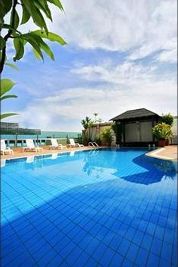 Bayview Hotel Singapore - Outdoor Pool