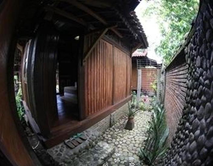 Alamat Omah Garengpoeng - Magelang