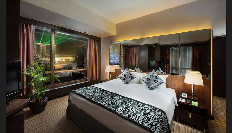 Peninsula Excelsior Hotel Singapore - Featured Image
