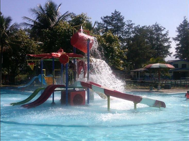 Selorejo Hotel & Resort Malang - Pool Waterfall