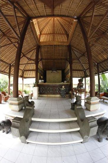 Bayshore Villas Candi Dasa - Interior Entrance