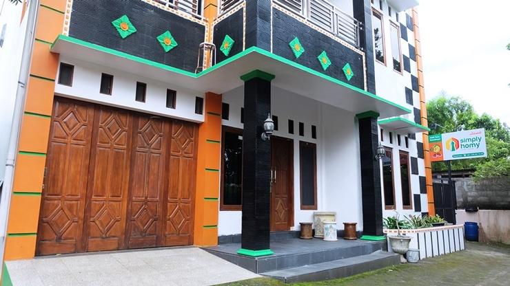 Simply Homy Guest House Jakal 3 Yogyakarta - Exterior