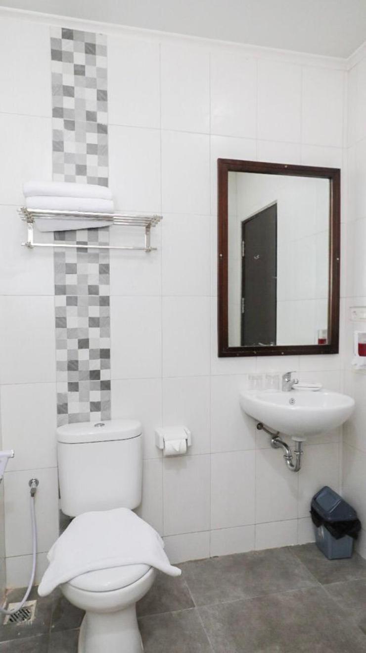 Heavenly Land Hotel Palembang Palembang - Bathroom