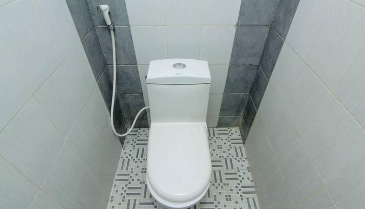 Emdi House Seturan Yogyakarta - Bathroom