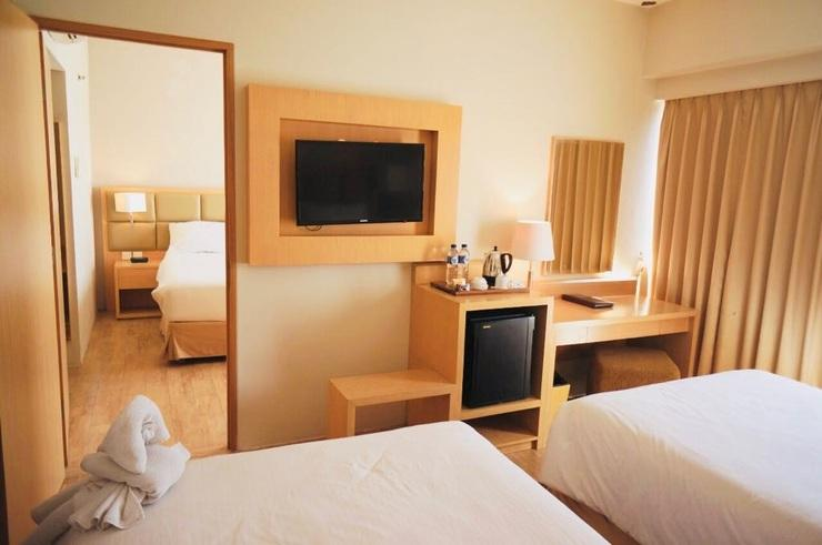 STAR Hotel Semarang - Family Connecting Room