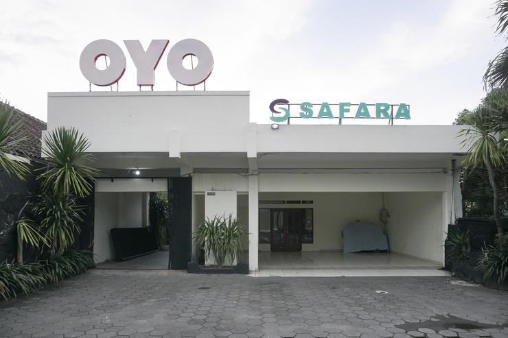 OYO 693 Hotel Safara Yogyakarta - Facade