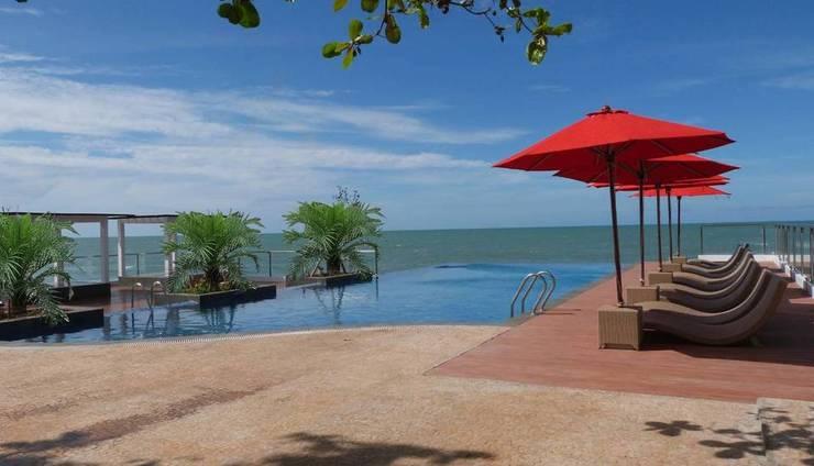 Tanjung Kodok Beach Resort Lamongan - Pool