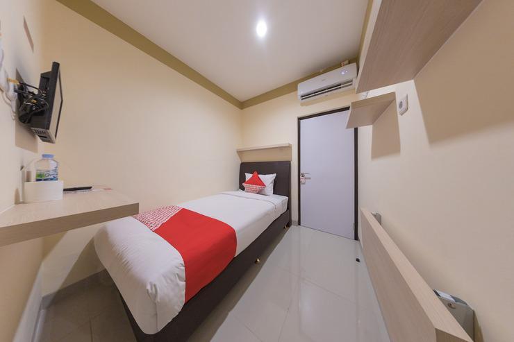 OYO 478 Balcon Biru Near RSUD Sawah Besar Jakarta - Bedroom