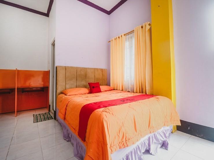 RedDoorz near BSCC Dome Balikpapan - Guestroom