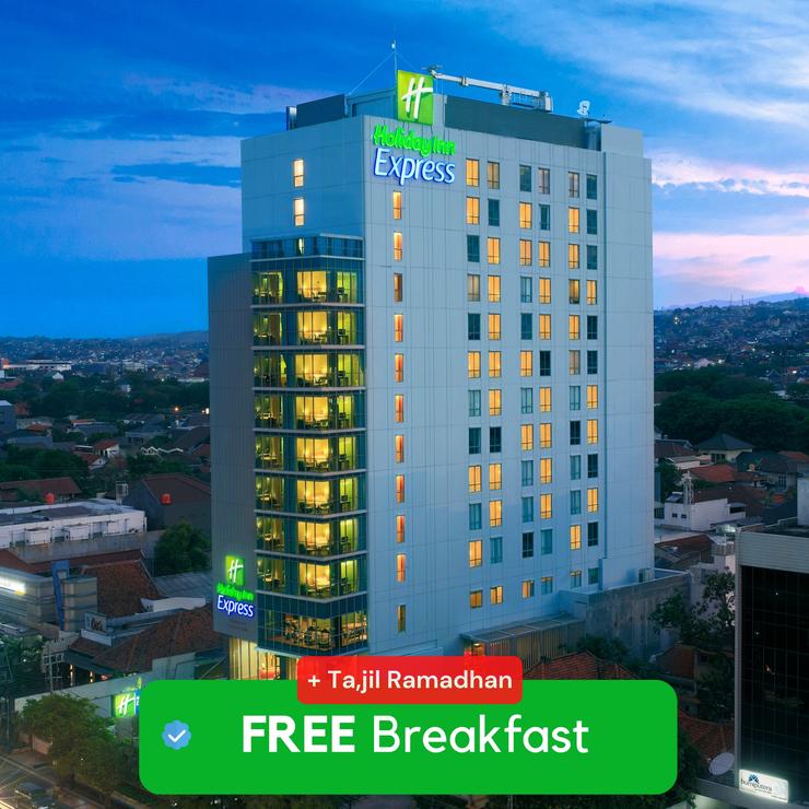 Holiday Inn Express Semarang Simpang Lima, An IHG hotel Semarang - Cover