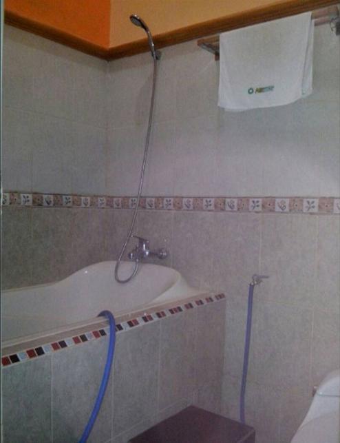 Salsabila Homestay Banyuwangi - Bathroom