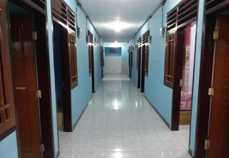 Aurel Kos Wahidin Cirebon - Corridor