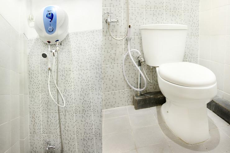 OYO 121 Ayub Residence Syariah Jakarta - Bathroom