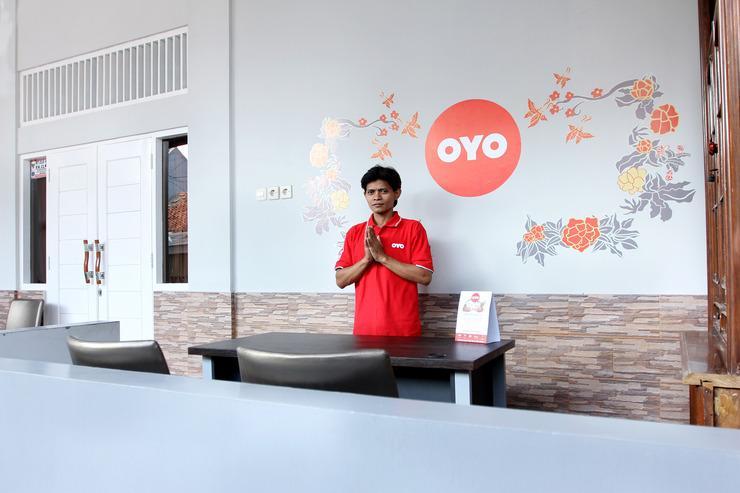 OYO 121 Ayub Residence Syariah Jakarta - Reception