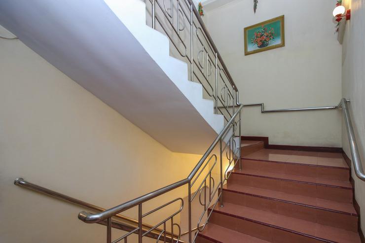 Airy Eco Pelabuhan Makassar Bali 40 - Stairs