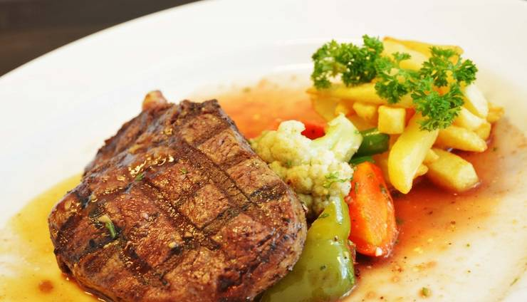 Ramada by Wyndham Bali Sunset Road Kuta - Tenderloin Steak
