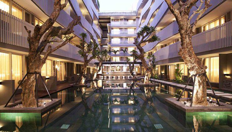 Ramada by Wyndham Bali Sunset Road Kuta - Kolam Renang