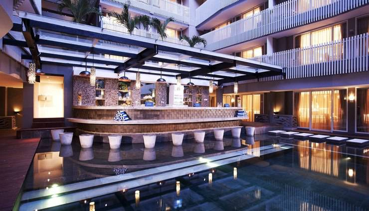 Ramada by Wyndham Bali Sunset Road Kuta - Prigi Snack Pool Bar
