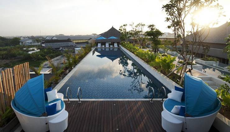 Ramada by Wyndham Bali Sunset Road Kuta - Kolam Renang - Rooftop