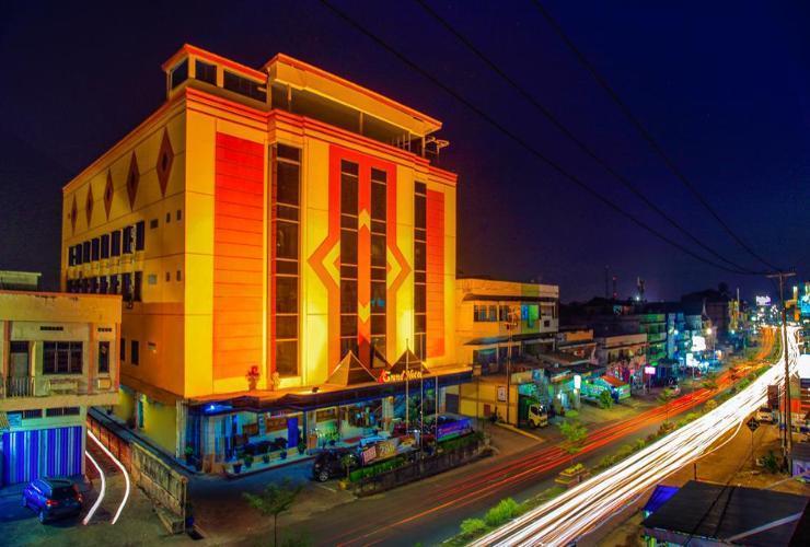 Grand Hotel Jambi - Exterior