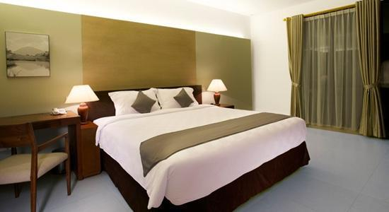 Hotel Neo+ Green Savana Sentul City - room photo 15164755