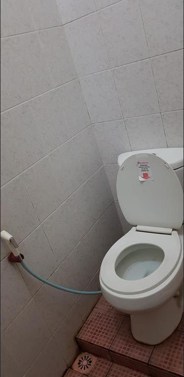 Pelangi Hotel Lembang Bandung - Superior Toilet