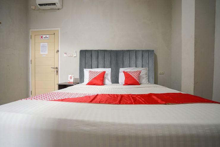 OYO 1233 Indo Hotel Lubuklinggau - Bedroom