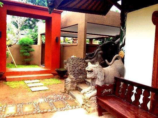 Billy Pendawa Home Stay Bali - Pintu Masuk
