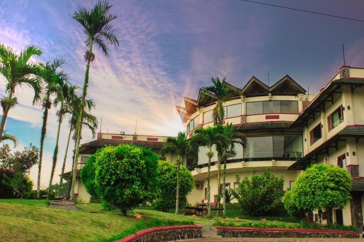 Nuansa Maninjau Resort Hotel Agam - Face